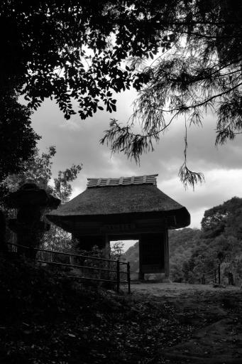 星上山の仁王門