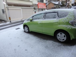 ガレージの雪