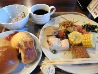 18日7時:36分 今朝も お気に入りレストランで大好きなパン食 モーニング