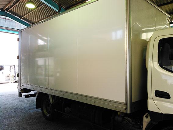 トラック白2