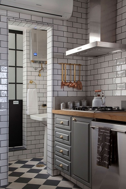 A-dash-of-copper-glint-for-the-industrial-kitchen.jpg