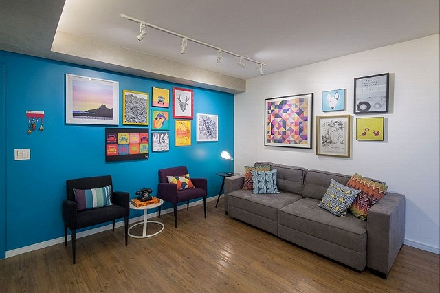 Beautiful-and-vibrant-living-space-of-urban-apartment-in-Brasilla.jpg