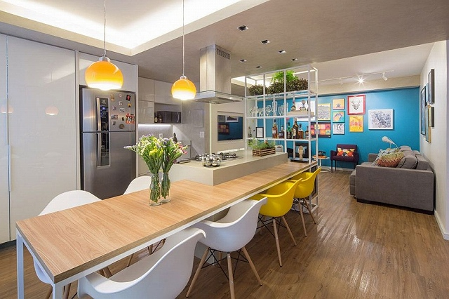 Kitchen-island-dining-inside-the-small-Brasilla-apartment.jpg