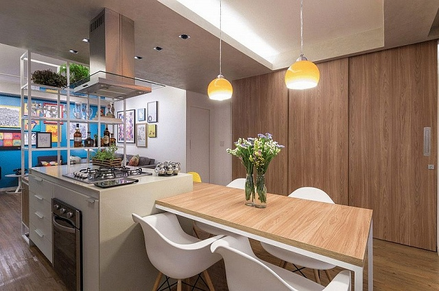 Sliding-doors-in-the-dining-area-conceal-the-home-office.jpg