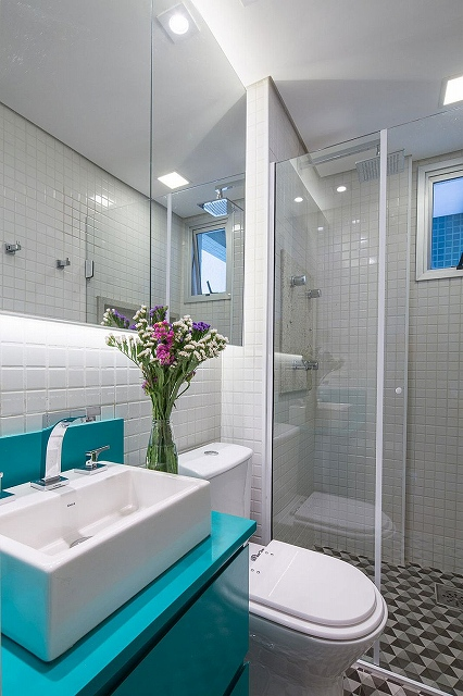 Small-contemporary-bathroom-in-white-a-hint-of-yellow-and-turquoise.jpg