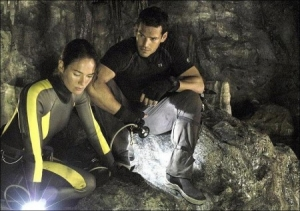 the-cave-movie-450x317.jpg