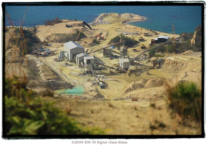 家島諸島男鹿島の採石場1602tangashima012.jpg