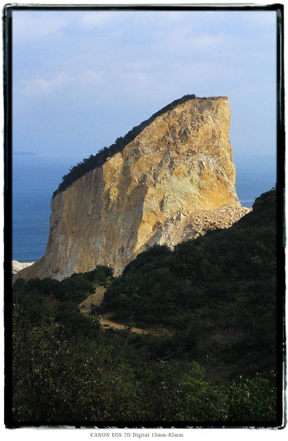 家島諸島男鹿島の採石場1602tangashima08.jpg