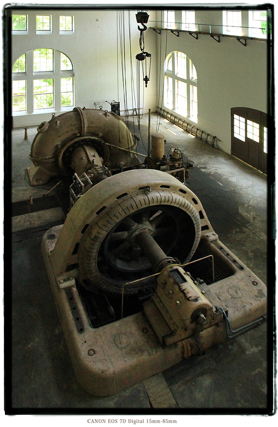 八百津発電所の発電機201308yaotsu0002.jpg