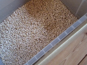 細かい木の猫砂