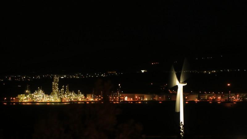 夜風に回る風車