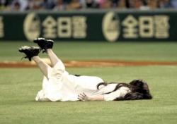 貞子の始球式