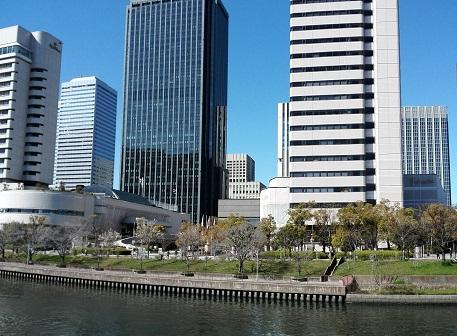 1 JR大阪城公園駅前
