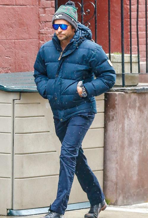 ブラッドレイ・クーパー(Bradley Cooper):フェールラーベン(Fjallraven)/ジェイブランド(J Brand)/フォーティーセブンブランド(47 Brand)/カレラ アイウェア(Carrera Eyewear)/シャフハウゼン(IWC)
