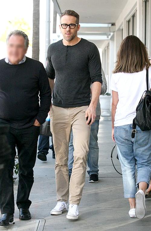 ライアン・レイノルズ(Ryan Reynolds):サンドロ(Sandro)/ジェイブランド(J Brand)/コンバース(Converse)