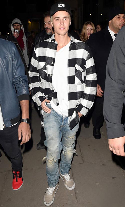 ジャスティン・ビーバー(Justin Bieber):アワーレガシー(Our Legacy)アンノワール(En Noir)バンズ(Vans)ドープ(Dope)