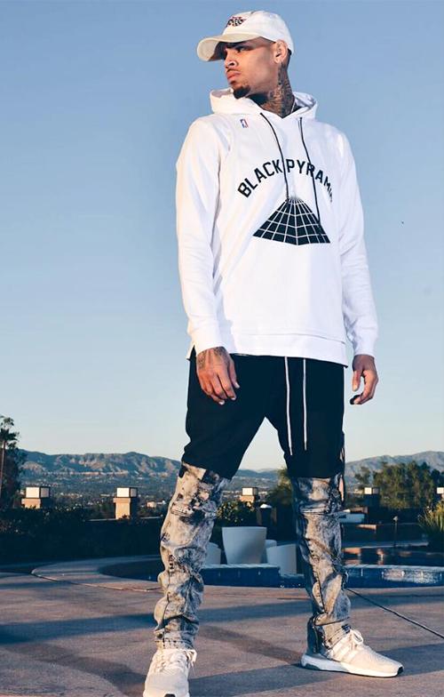 クリス・ブラウン(Chris Brown):ブラックピラミッド(Black Pyramid)/アディダス(Adidas)