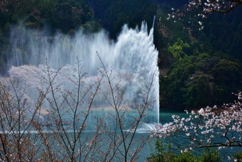 水のカーテン (1)