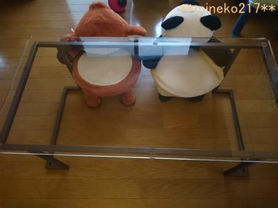 アクリルのおしゃれテーブル