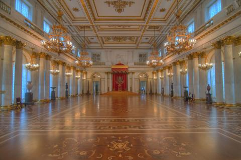 saint_petersburg_russia-throne_georgian_hall_hermitage_museum_convert_20160330055658.jpg