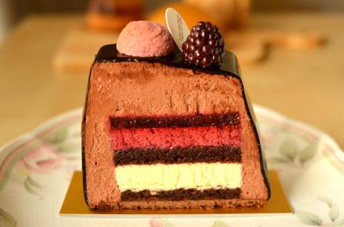 【ケーキ】パリセヴェイユ「ブッシュ ミストラル」 (2)