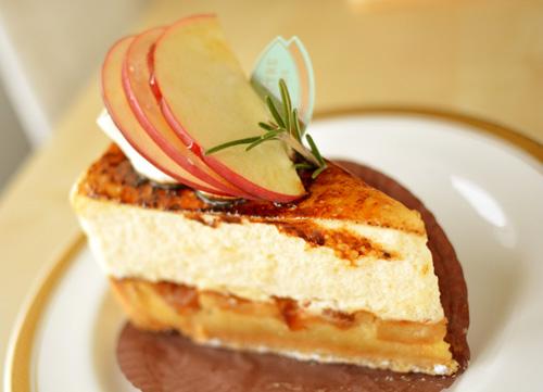 【ケーキ】ビヤンネートル「リンゴのシブースト」