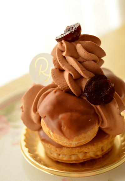 【ケーキ】リョウラ「サントノーレフォレノワール」 (2)