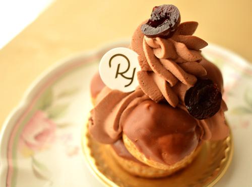 【ケーキ】リョウラ「サントノーレフォレノワール」 (3)