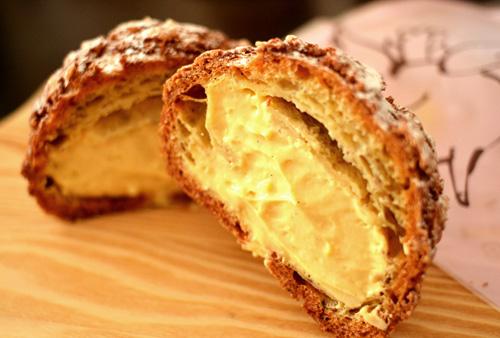 【ケーキ】エチエンヌ「ブタのおしり(キャラメル風味)」 (1)