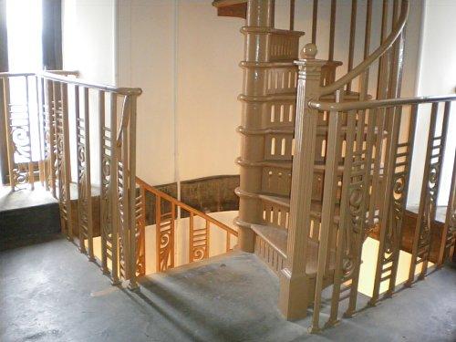 横浜市開港記念館・時計塔階段2