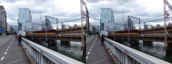 寝屋川橋からの京阪電車(交差法)