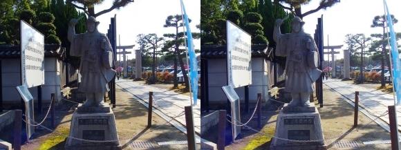 大石神社 大石内蔵助石像(平行法)
