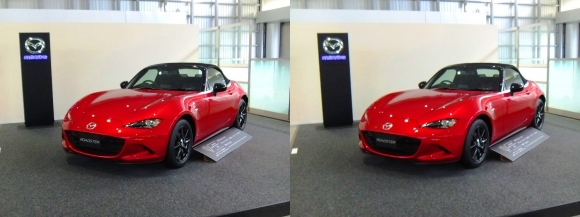 広島駅展示 MAZDA ROADSTER S Special Package(平行法)