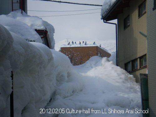 500 20120205 01文化ホール除雪01