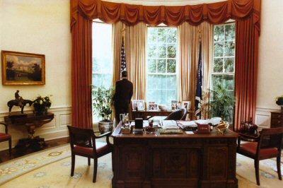 01a 026 400 200708#2 President Reagan Office