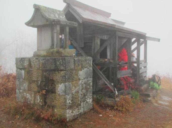 子檀嶺神社奥社のある山頂