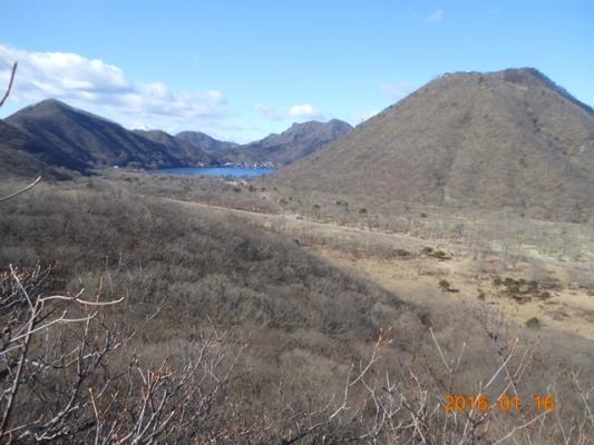 磨墨岩から見る榛名山と榛名湖、外輪山