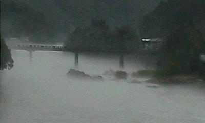 立花橋の川霧