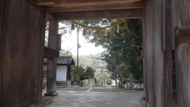加茂神社正門