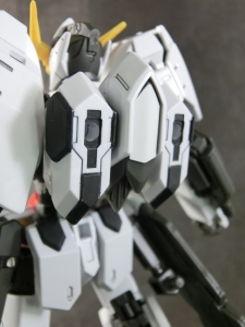 HG-GUNDAM-BARBATOS6th0191.jpg