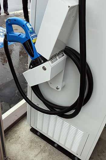20160306_道の駅電気自動車充電器稼働2
