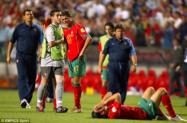 Ronaldo cries as Portugal lose to Greece in the Euro 2004 final