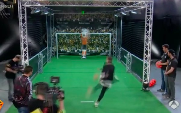 Atletico Madrid star Antoine Griezmann tricked an unbeatable robot keeper