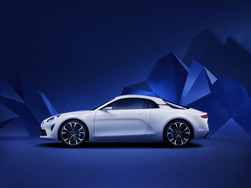 renault-alpine-vision-sports-car-designboom-03-818x613-783623.jpg