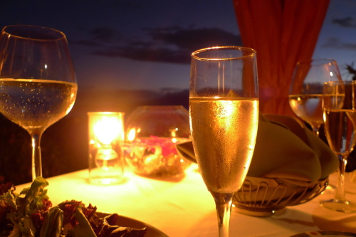 champagne-sunset-beach-dining.jpg