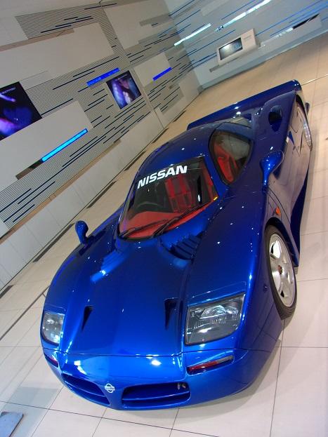 日産R390GT1 98年ルマン公認取得用ロードカーa