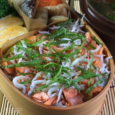 焼き鮭しらすご飯弁当02