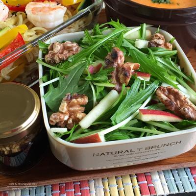海老と野菜のアンチョビ焼きそば弁当03