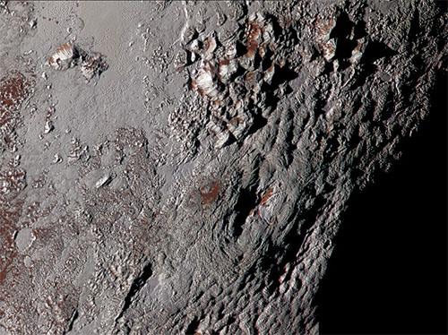 8月11日には登りたい、標高4000メートルのライト山@冥王星