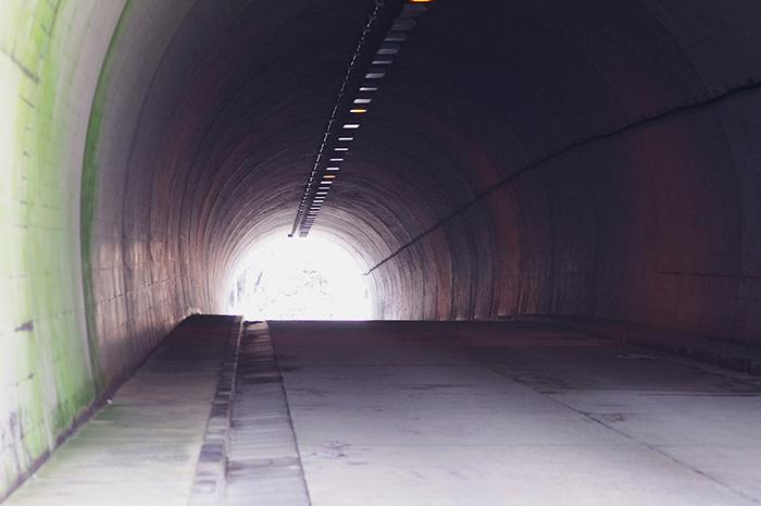【怖い話】小仏トンネル